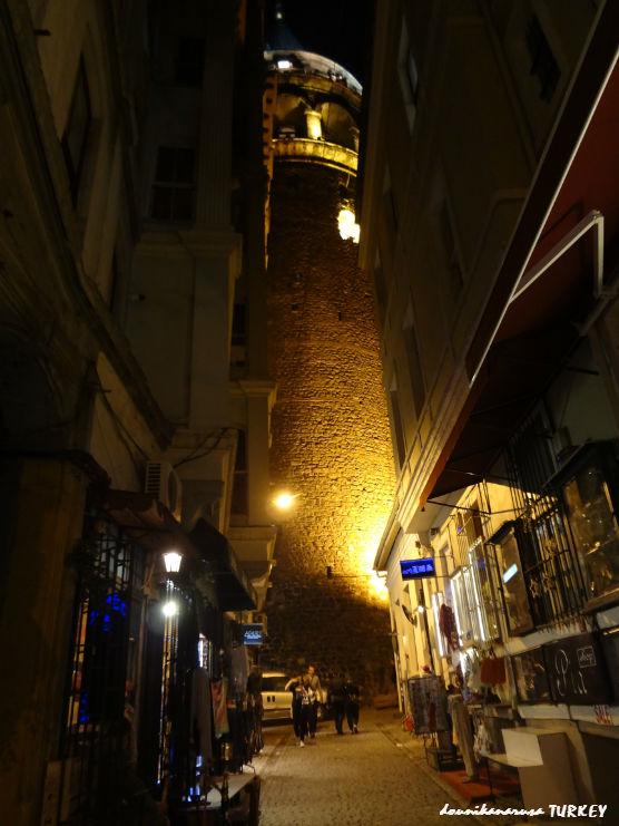 トルコガラタ塔夜